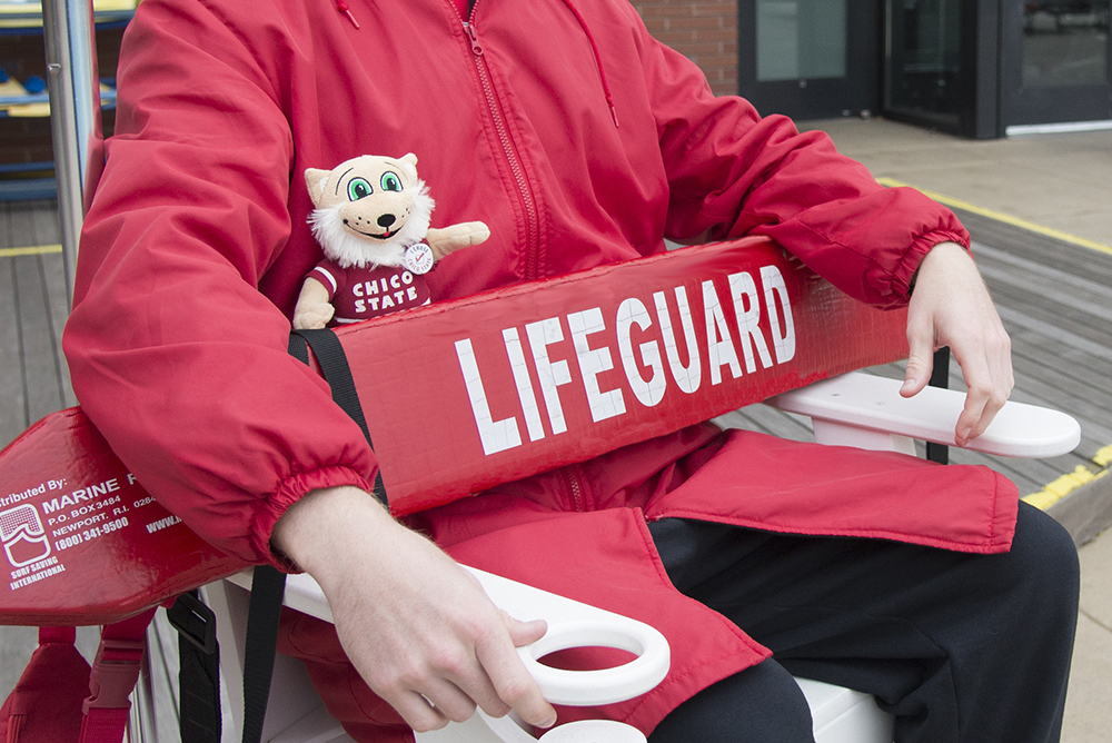 photo of Willie with a lifeguard